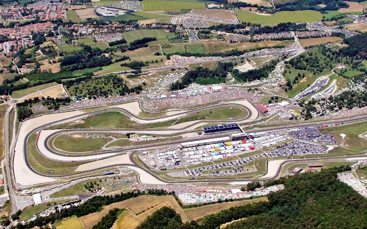 Circuito Modena : Mugello circuit: how to get to the mugello race track for italian