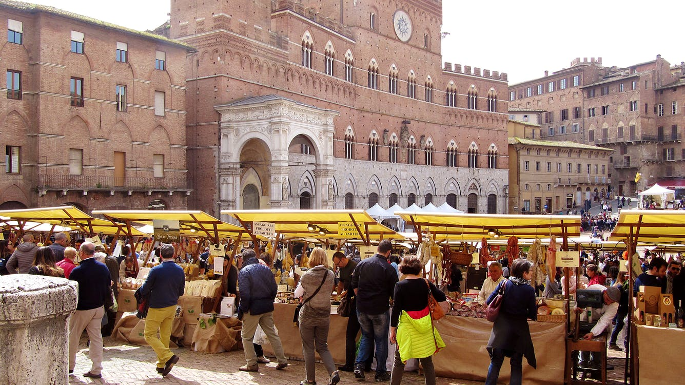 Piazza Del Campo The Story Of The Piazza Del Campo In Siena Tuscany